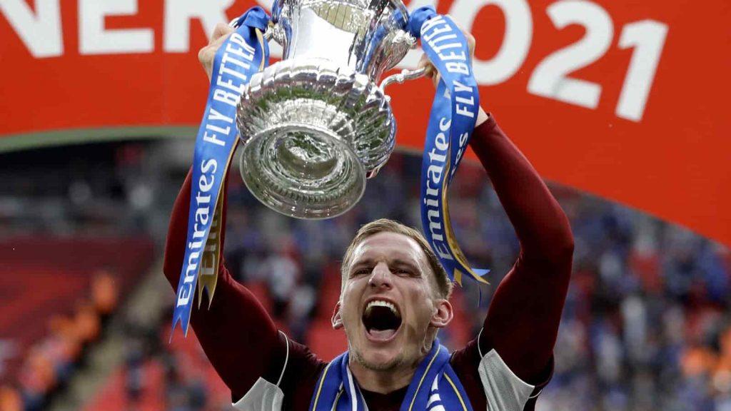 Marc Albrighton: Ký gia hạn hợp đồng Leicester đến năm 2024